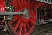 Vintage steam locomotive wheels close-up — Stock Photo