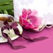 Tea and magenta tulips with blank note — Stock Photo