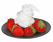 Strawberries with whipped cream — Stock Photo