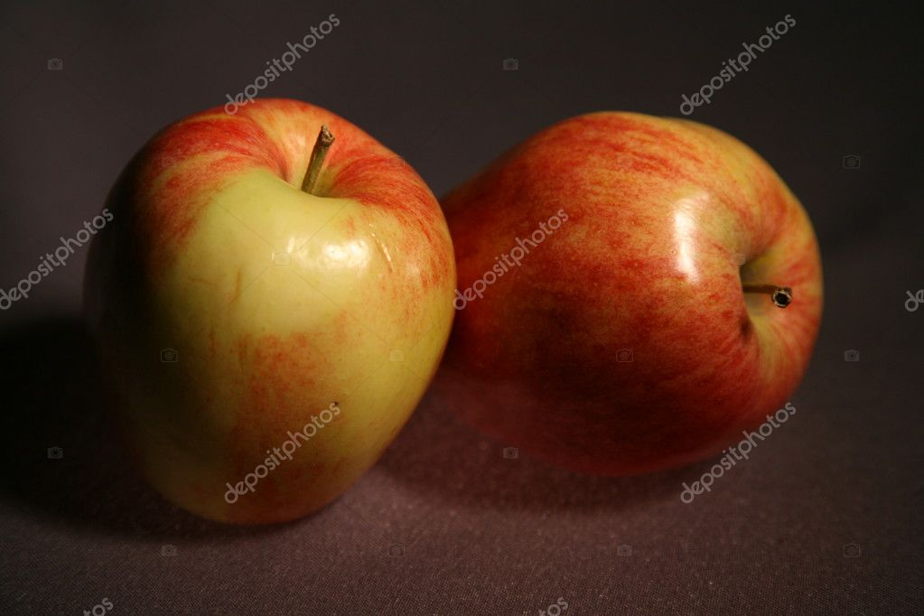 Red apples on a black background — Stock Photo #4318651