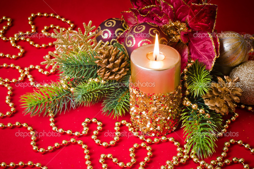 Candles with Christmas decorations — Stock Photo #4421206
