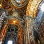 Indoor St. Peter's Basilica — Stock Photo #4926088
