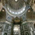 Saint Peter's basilica interior in Vatican — Stock Photo #4928270