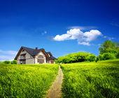 Yaz yeni çiftlik evi — Stok fotoğraf
