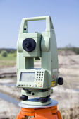 Theodolite measurement instrument outdoors — Stock Photo