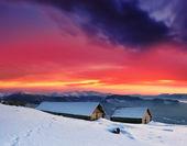 Paesaggio invernale in montagne — Foto Stock
