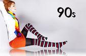 рыжеволосая девушка в 90-х цвет стиль. — Стоковое фото