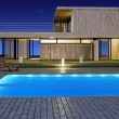 Modern house with pool - 图库照片