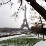 Eiffel tower under snow - Paris — Stock Photo