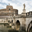 Bridge and castle de Sant'Angelo — Stock Photo