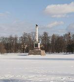 The Сhesme column on the frozen lake — Stock Photo