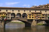 Ponte vecchio i florens italien — Stockfoto