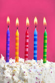 生日蛋糕上的蜡烛 — 图库照片