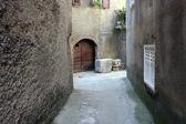 古代の通りに vrbnik、クロアチアの都市 — ストック写真