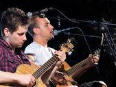 двух гитаристов — Стоковое фото