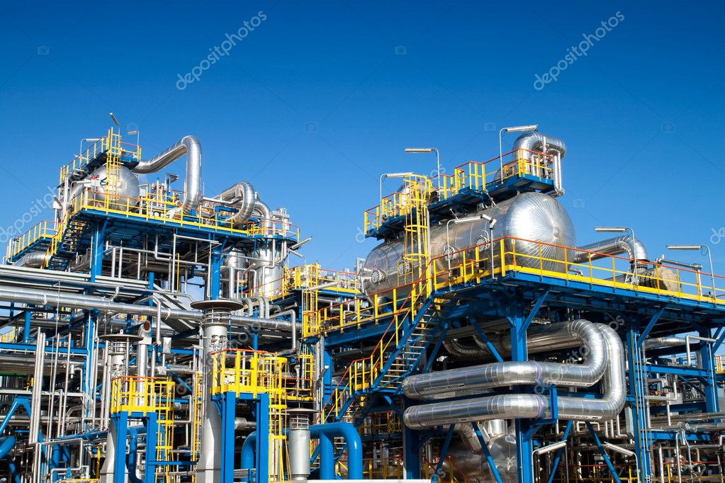 Oil industry equipment installation, metal pipes and constructions.  Stok fotoraf #4039491