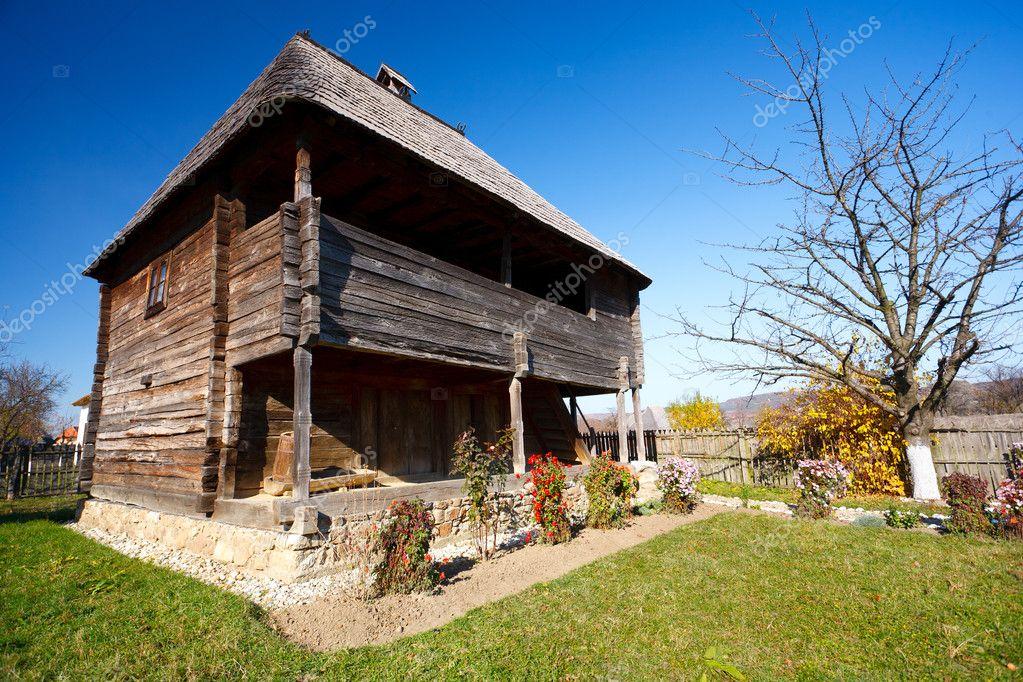 Tradizionale rumeno house vedere tutta la serie foto for La casa tradizionale progetta una storia