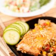 Salmon fillet with vegetables — ストック写真