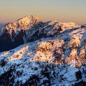 Mountain scenery of snow — Stock Photo