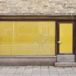 Door of an old shop — Stock Photo #4037290