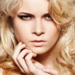 Fashion woman with chic make-up &amp; long blond hair - Stok fotoraf