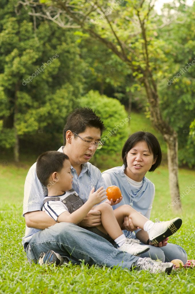 Asian family having fun at outdoor — Stock Photo #4906969