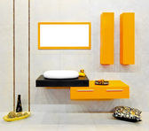 Yellow bathroom — Stockfoto