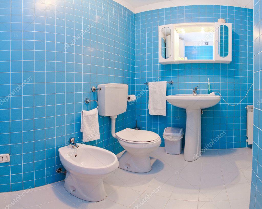 Blue bathroom stock photo baloncici 4556524 for Colores modernos para casas
