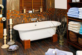 Salle de bain baignoire — Photo