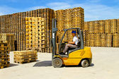 Forklift handling — Stock Photo