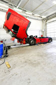 Красный грузовик — Стоковое фото