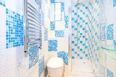 Blauwe toilet — Stockfoto
