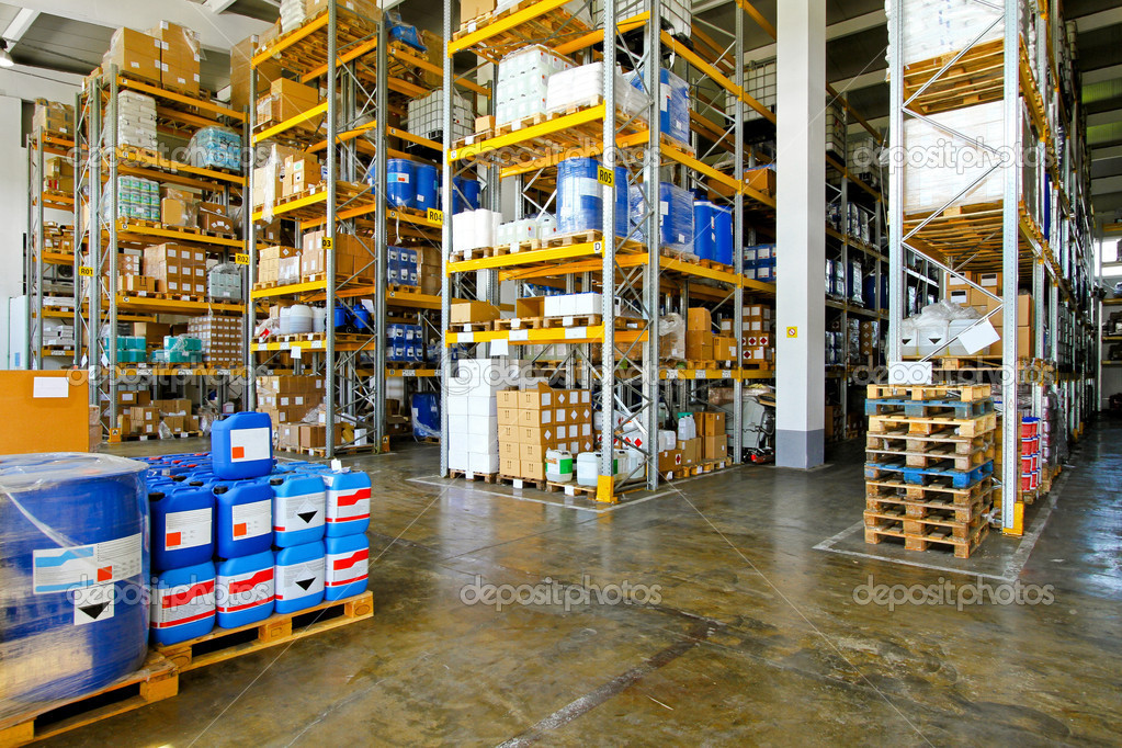 Warehouse with chemical liquids in cans and barrels — Stock Photo #5078910