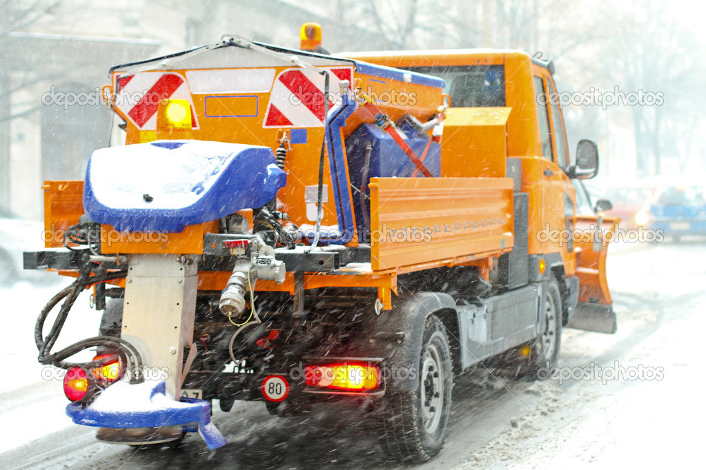 Snow plough truck with salt and grit spreader — Stock Photo #5195401
