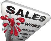 销售-温度计过去伟大水平上升 — 图库照片