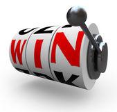 赢在老虎机轮子-赌博一词 — 图库照片