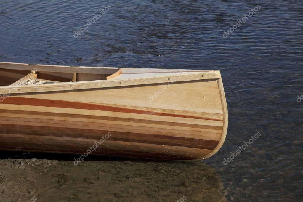Prua della canoa in legno foto stock pixelsaway 5285333 for Diversi tipi di case da costruire