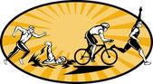 Triathlon sportler schwimmen fahrrad und wettbewerb führen — Stockfoto