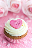 Valentine cupcake — Stock Photo
