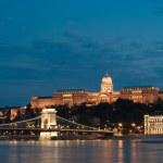 nachtverlichting in Boedapest — Stockfoto