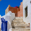 Beautiful blue sky and old staircase in Santorini — Stock Photo #5016343