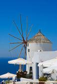Famous windmill in Oia, Santorini — Stock Photo