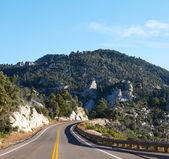 Weg in bergen — Stockfoto