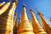 Buddhist stupas in Myanmar,Inle Lake — Stock fotografie