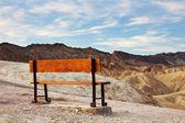 ławce w dolinie śmierci — Zdjęcie stockowe