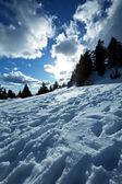 Besneeuwde bergen — Stockfoto