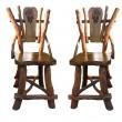 cadeiras antigas de madeira handwork velhas isoladas sobre o branco — Foto Stock