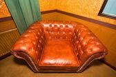 Vintage bruin lederen fauteuil — Stockfoto