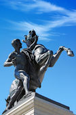 Statue in front of Austrian parliament, Vienna — Stock Photo