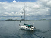 Small boat on the lake of Ontario, Canada — Stock Photo